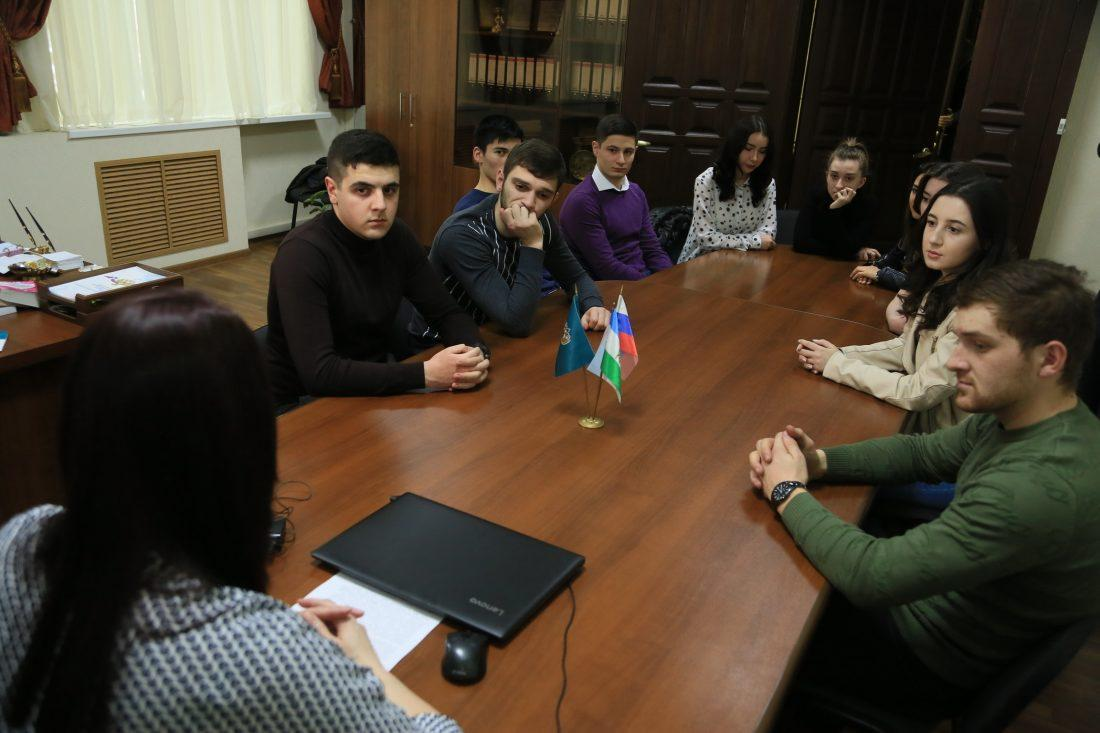 KBSU Students Have Visited FAS